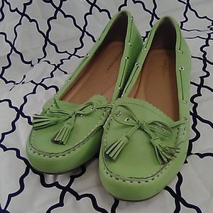 🌟Sold🌟Comfortview Lime Loafers